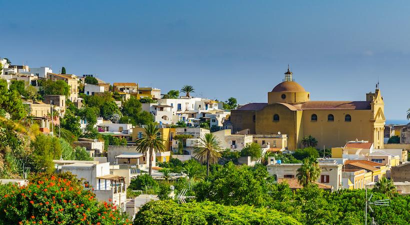 Église de Santa Maria sur l'île de Salina