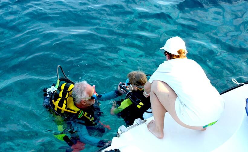 Praticando snorkeling a Liscia Bianca