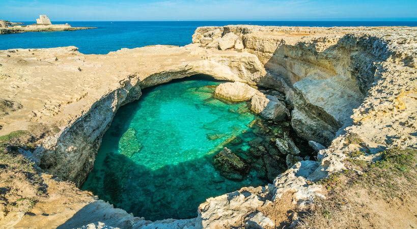La spettacolare vista piscina naturale della Grotta della poesia