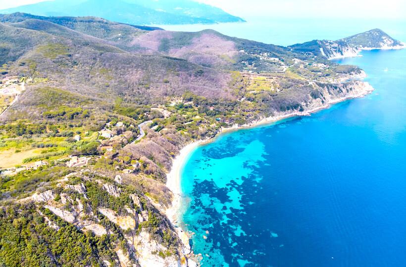 spiaggia della fetovaia sull'isola d'elba