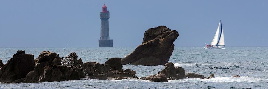 Vue sur le phare de la Jument