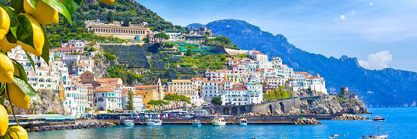 vue du port d'Amalfi