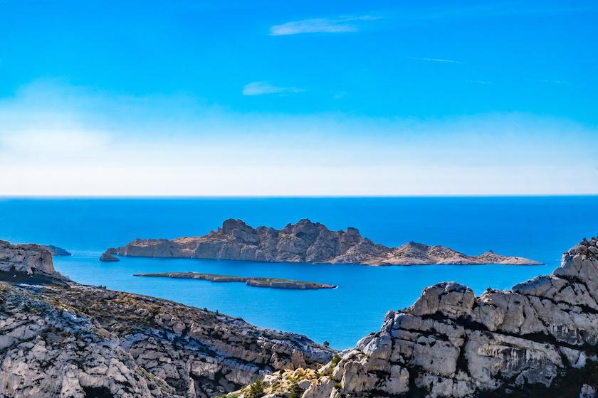 L'archipel de Riou depuis les calanques de Marseille