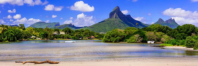 vue panoramique d'une plage à l'île Maurice
