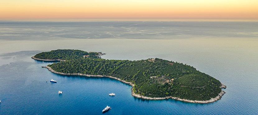 Vue du ciel de l'île de Lokrum