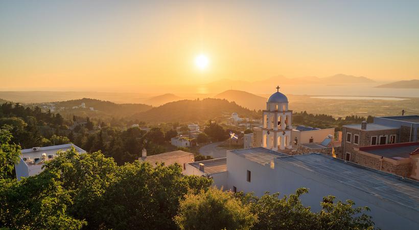 Coucher de soleil depuis Asfendiou, un village sur l'île de Kos.