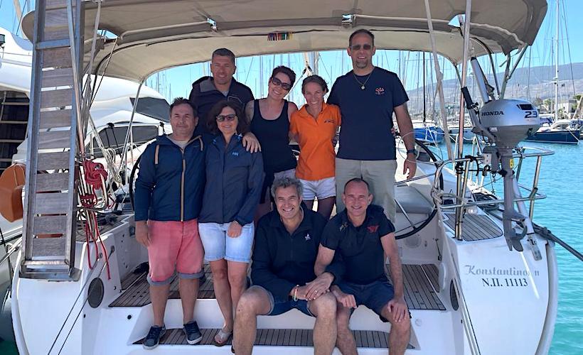 Gilles Darnaud et son équipage au départ de leur croisière dans l'archipel du Dodécanèse