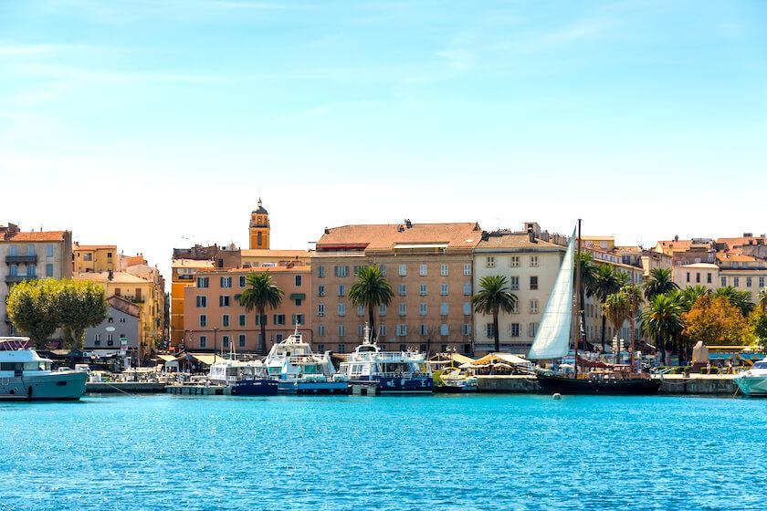 Ajaccio, son port et sa vieille ville