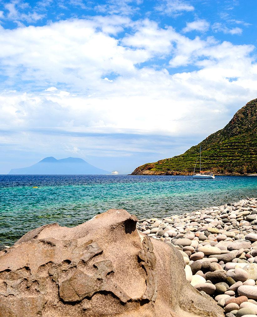 plage a Filicudi
