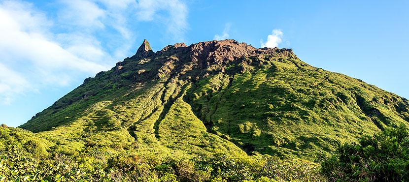 La Soufrière, volcan actif qui domine Grande Terre