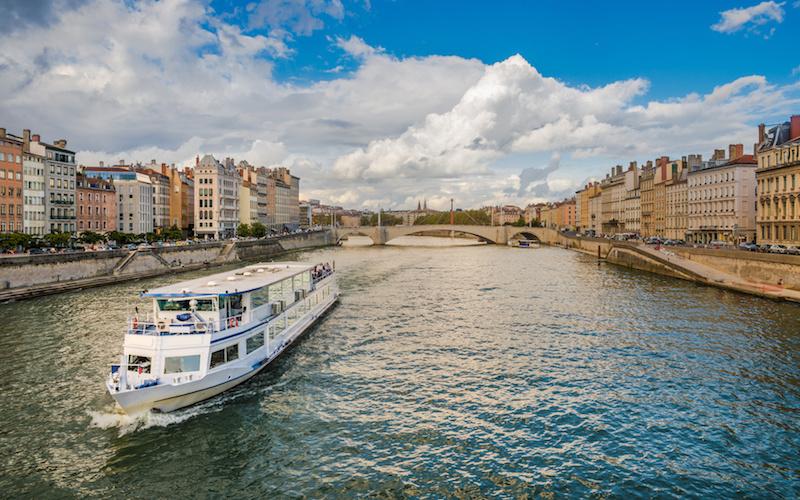 Péniche sur le Rhône à Lyon