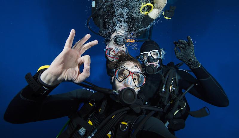 Plongée sous-marine entre amis